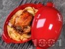 Рецепта Пълнено печено цяло пиле с ориз и дробчета с гарнитура от картофи на фурна